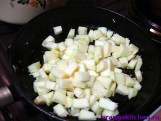 Обжаренные кабачки для тушеных овощей