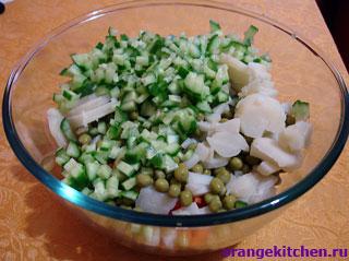 Вегетарианский оливье почти готов