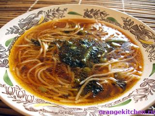 Суп с рисовой вермишелью в японском стиле