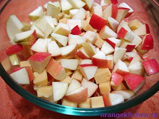 Салат с мандаринами почти готов