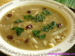 Постный суп с чечевицей и лапшой готов