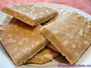 Вегетарианские рецепты с фото: Постные манные козинаки с арахисом