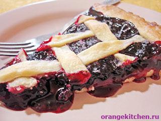 Пирог без яиц с черной смородиной