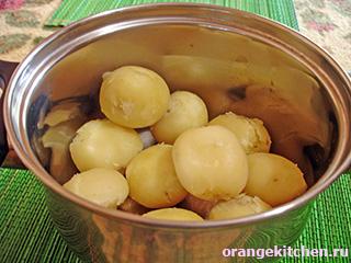 Вегетарианский картофель в томатно-луковом соусе: Фото 1