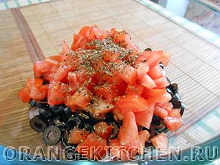 Вегетарианский салат с маслинами и помидорами: Фото 3