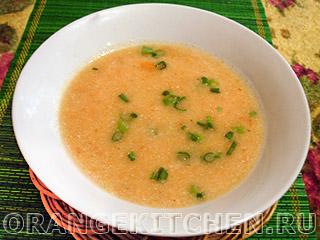 Вегетарианский суп из кабачков и томатов