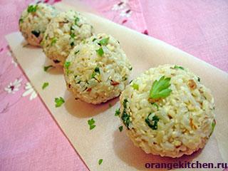 Рисовые шарики с кунжутом