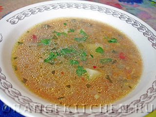Вегетарианский фасолевый суп с пшеном