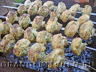 Вегетарианский шашлык из грибов шампиньонов
