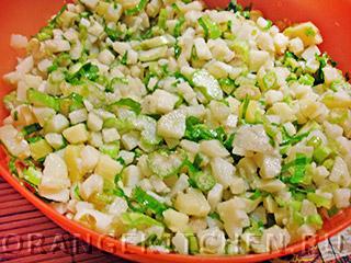 Вегетарианский картофельный салат с сельдереем