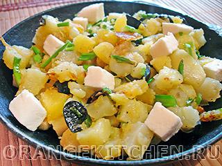 Картофель с кабачками и маслинами