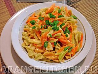Морковное рагу с макаронами