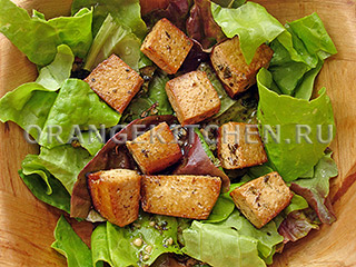Лимонный маринад для тофу и салатный микс